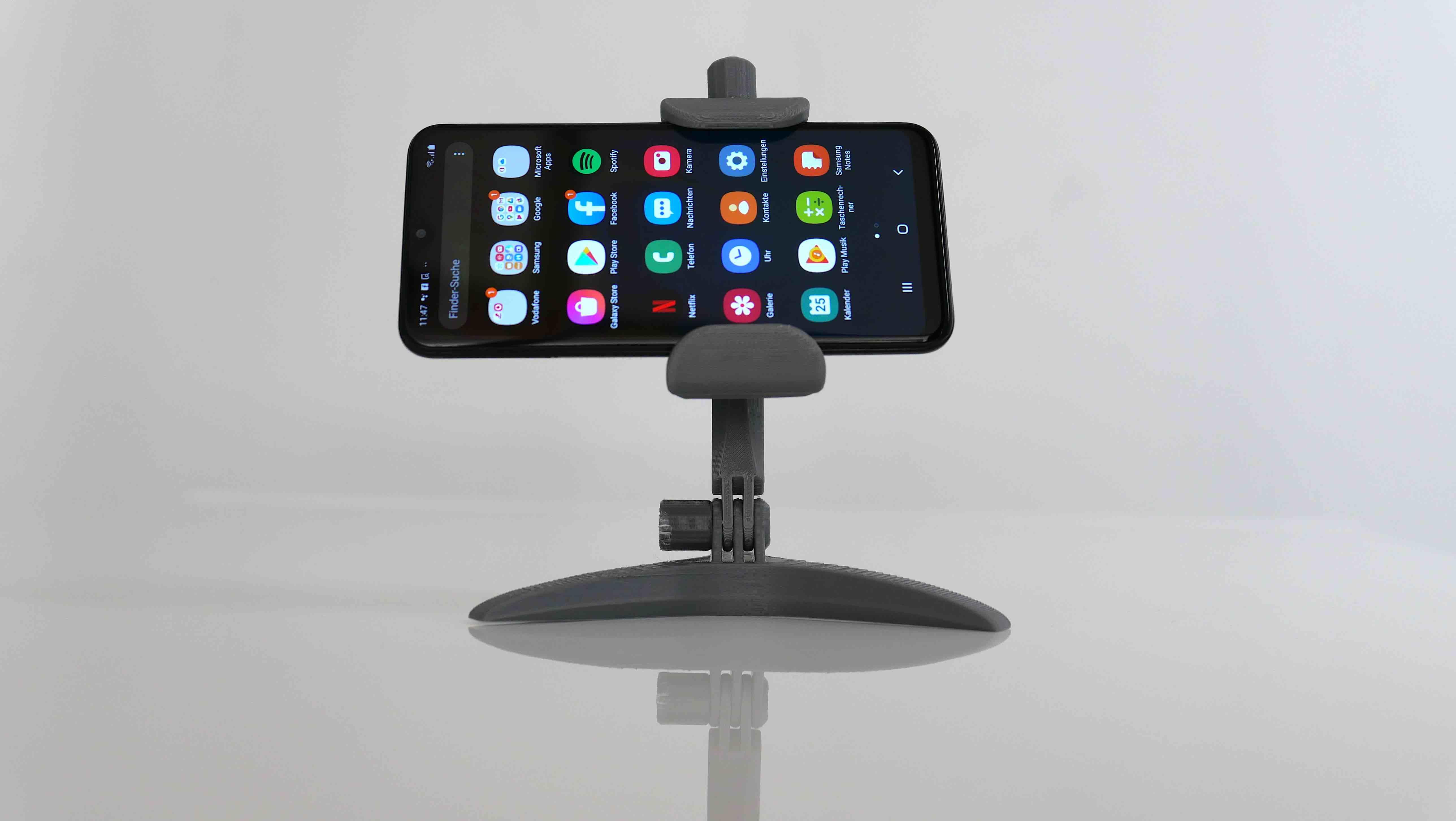 Ansicht von vorn mit Telefon und Apps