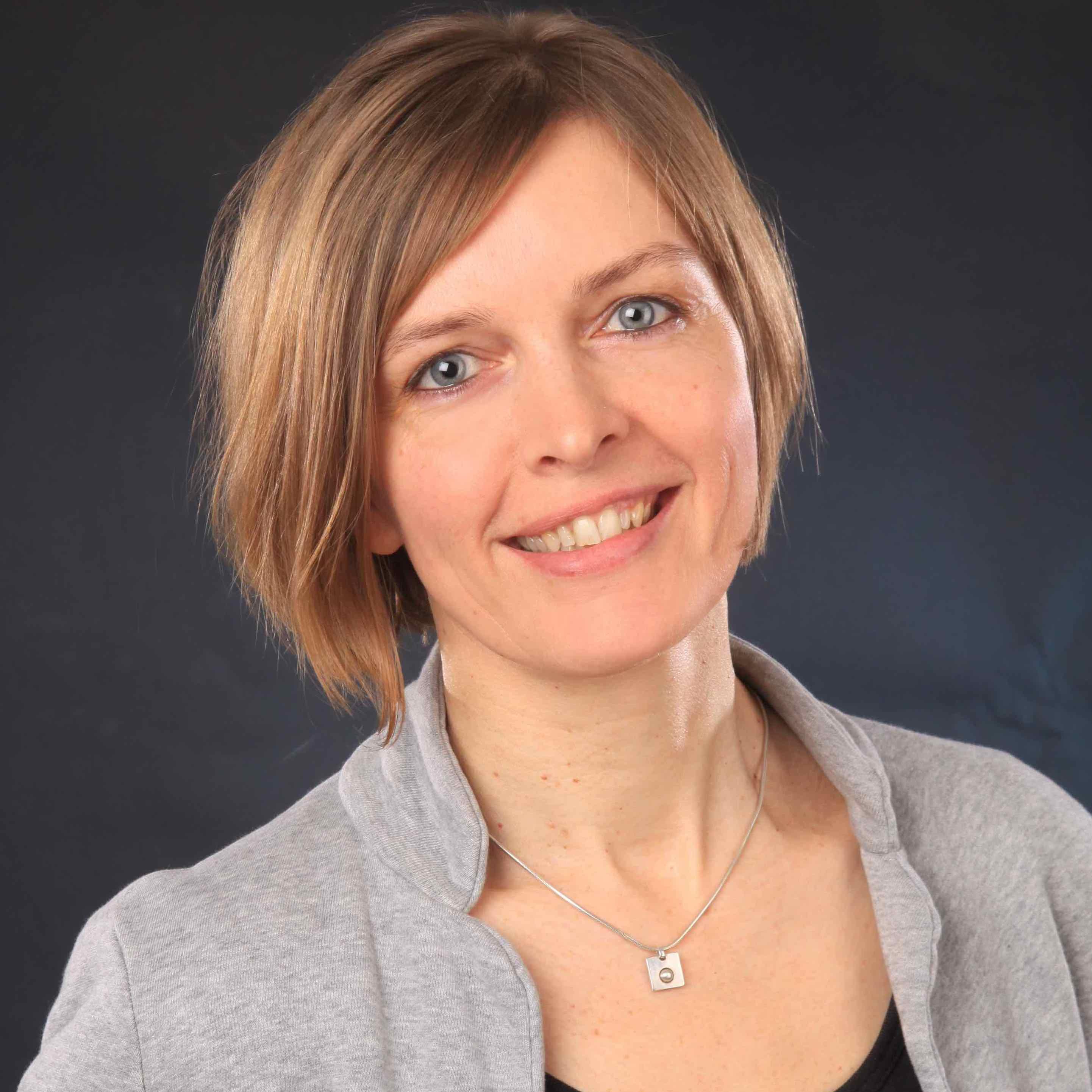 Anke ist bei educorvi als Projektleiterin für die Themen Web-Content-Management und Online-Bildung tätig. Außerdem koordiniert sie die Berufsausbildung.